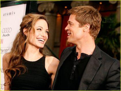 Brad Pitt - Angelina Jolie  Αυτή είναι η κούκλα κόρη τους! - Bizznews.gr 717f2513af5