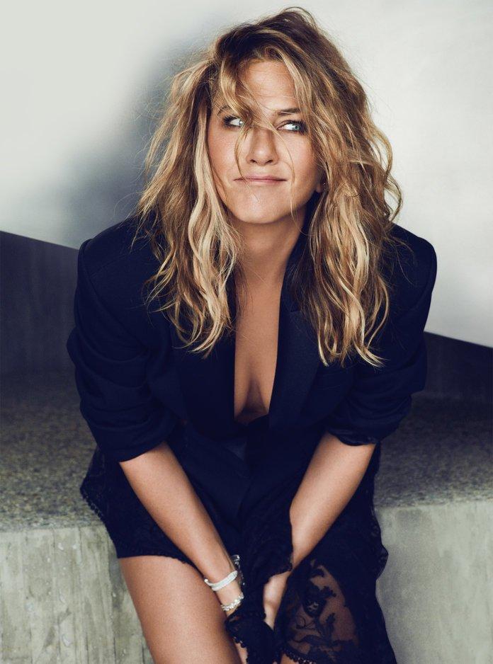 fd4c7fd417a Ορίστε πώς καταφέρνει η Jennifer Aniston να δείχνει μία δεκαετία νεότερη -  Bizznews.gr